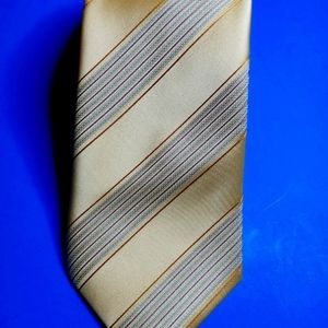Kenneth Cole NY Gold/Amber Stripe Neck Tie